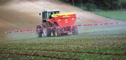 fertiliser-spreader
